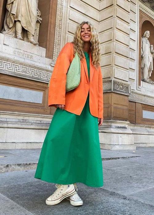 зелено-оранжевый костюм