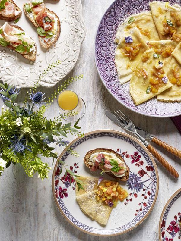 тарелки с цветочным узором
