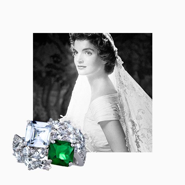 кольцо с изумрудом от Van Cleef & Arpels у Жаклин Кеннеди
