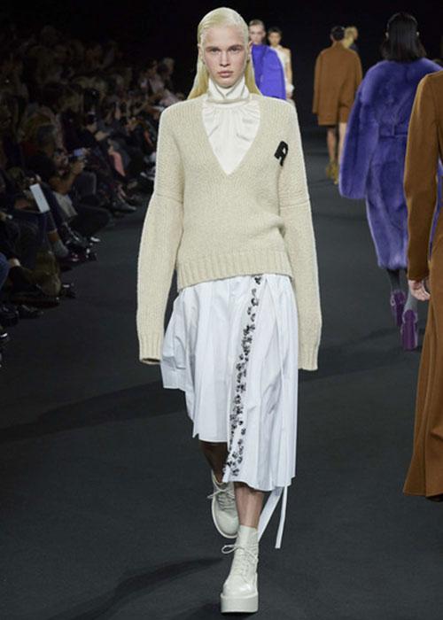 свитер Rochas
