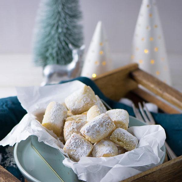 печенье марципановые подушечки