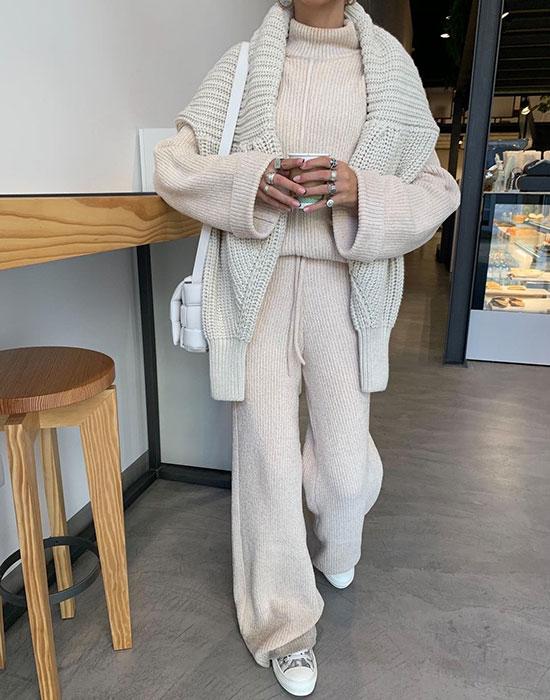 свитер поверх пальто