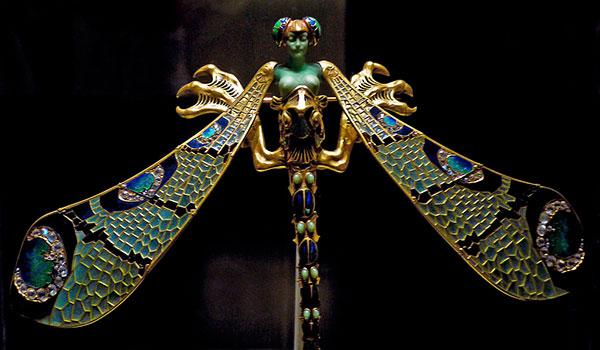 Корсажная брошь Женщина-стрекоза, Lalique