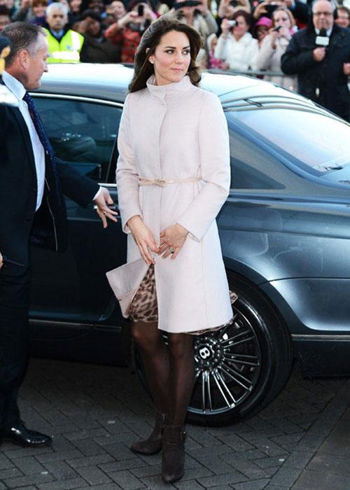Кейт Миддлтон в пальто Kate